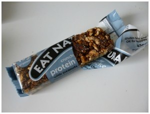 Eat Natural Crunchy Nut Bar Protein Packed recensie review tussendoortje notenreep