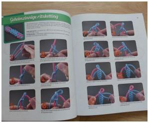 het tweede enige echte paracord boek voor volwassenen J.D. Lezen YouTube-kanaal Tying It All Together BBNC recensie review winactie woestijnbloemmedaillon mesfoedraal slippers armbanden buitenleven