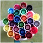 De enige echte kleurstiften voor volwassenen koker vilstiften 24 stuks kleuren doordrukken helder prettig hand gezellig stiften punt recensie review BBNC Uitgeverij