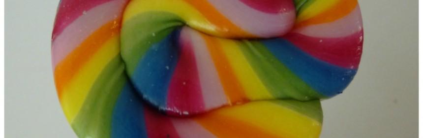 Twisters Food2Smile verantwoord snoepgoed handgemaakte lollies recensie review veilig voor tandglazuur tast tandgalzuur niet aan kleuren fruitsmaken chemische toevoegingen snoepen appel framboos sinaasappel-ananas product Kandies voordeel zoet consument belangrijk website webshop