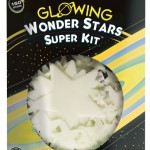 Win deze Glowing Wonder Stars Super kit University Games recensie review glow-in-the-dark sterren planeten slaapkamer licht uit 150 delig doven langzaam schitterend lichtschijnsel muur plafond sterrenhemel winactie winnen