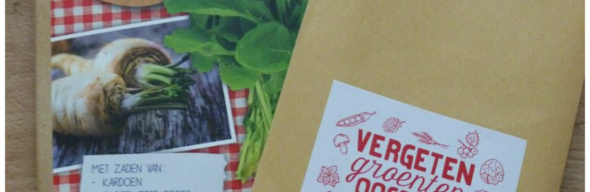 Vergeten groenten en opeten recepten bereiden zaden groenten tuin kweken groententuin verrijken smaken hart ophalen diy pakket boekje zakje selectie zaden kardoen blije bietjes pastinaak aardbeienspinazie leidraad wannabee moesatuinder direct teelplan cadeau recensie review moestuintjes populairder handig verrassend element tomaatjes radijsjes aardbeien leuk praktisch informatie verbouwen instructies zaaien oogsten recepten geholpen zakjes zaadjes her(ontdekken) kardoen ouderwetse bietjes pastinaak raapstelen historische wortelmix envelop setje cadeautje genieten nieuwe smaken kleuren worteltjes vrolijk bord verrassen BBNC