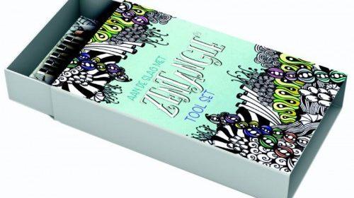 Aan de slag met Zentangle Tool Set werkboek theorieboek tekenen patroon boeken inspireert tekenkunst fineliners potlood doezelaar combineren prettig schaduwen tools instrument schaduwwaas uitproberen huis tas tekenblokje ontspannen BBNC recensie review