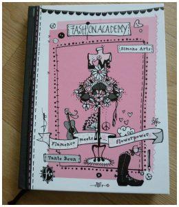 Fashion Academy Flamenco meets Flowerpower Simone Arts Uitgeverij Holland Zelf Lezen recensie review