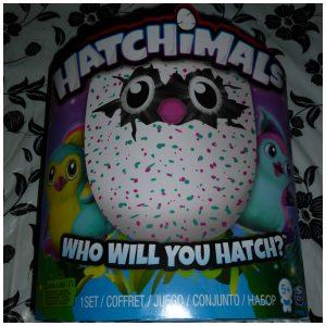 Hatchimals Spin Master 5+ ei uitbroeden beestje baby peuter kind spelen praten zingen lopen recensie review testen speelset poppenmoeders poppenvaders knuffelen verzorgen