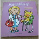 Het doktertje Marianne Busser & Ron Schröder kartonboekje prentenboekje Uitgeverij Unieboek