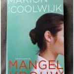 Mangelvrouw Marion van de Coolwijk Karekter Uitgevers recensie review