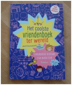 Het coolste vriendenboek ter wereld Brunhilde Borms Eva Mouton Lannoo recensie review opdrachten lijstjes vriend vriendin maatje