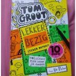 Tom Groot: Lekker bezig (zeker weten!) deel 10 Liz Pichon Gottmer recensie review grapic novel doedelen tekeningen tekenen opdrachten school vakantie