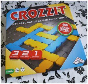 Crozzit Identity Games recensie review bordspel gezelschapsspel spelletjes speelbord steentjes speelveld 8+ 2 spelers 15-20 minuten speelduur