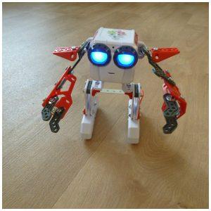 Meccano Micronoid Socket recensie review Spin Master robot zelf maken bouwen praten lopen dansen bewegen