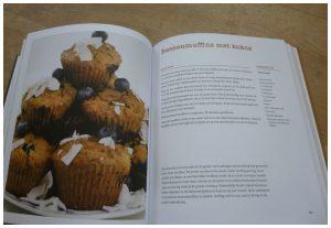 Bakken met haver Natascha van der Stelt Aerial Media Company kookboek glutenintolerantie gezondere keuzes basis haver baksels tarwe vermijden inspiratie recepten proefpanel zoetheid recensie review