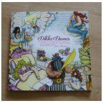 Dikke Dames in Sprookjesland Kleurboek Julia Woning BBNC kleuren volwassenen sprookjeswereld magie Roodkapje Rapunzel Klein Duimpje enkelzijdig recensie review