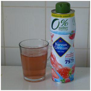 Karvan Cévitam 0% Suiker Toegevoegd Aardbei Framboos Bosvruchten Citrus Mix aanmaaklimonade limonade ranja siroop stevia stevioglycosiden dropsmaakje proeven recensie review