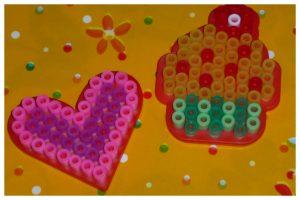 SES Strijkkralen Mini's PVC vrij SES Creative figuren plankjes smelten strijken verpakking kleuren glitter pasteltinten beedz recensie review