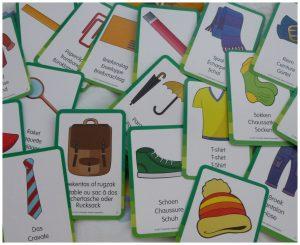 Detectivo zoekspel University Games camping vakantie zomervakantie vakantiemood opruimen kaarten dobbelsteen zoeken spannend tenten helpen puinhoop centrtale plek beginpunt recensie review