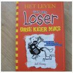 Het leven van een loser 11 Drie keer niks Jeff Kiney graphic novel De Fontein Bram Botermans verhalen humoristisch fantasie tekeningen verhaal recensie review