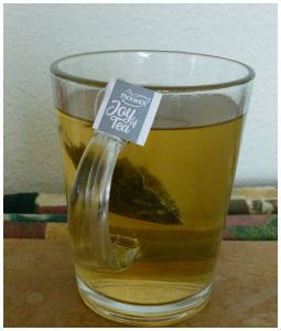 Pickwick Joy of Tea Green Jasmin groene thee jasmijn thee zwarte thee peer goudsbloem cadeau verpakking ginger spices green tropical spicy chai recensie review