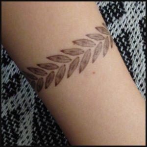 Tatoeages tattoos bloemen planten kunstsouvenirs plakplaatjes tijdelijk boekje kaarten afbeeldingen inspiratie tekeningen recensie review