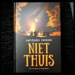 Niet thuis Jacques Vriens woongroep leefgroep Van Holkema & Warendorf Zelf Lezen kinderen sluiten samen vakantiehuisje onderduiken redden spannend achtergrond recensie review