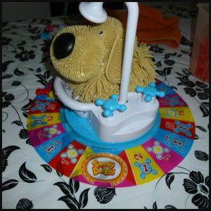 Soggy Doggy Familiespel Spin Master 4+ jong en oud water hond uitschudden douche bad lachen hilarisch nat worden recensie review