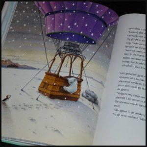 Het grote boek van Kleine IJsbeer Hans de Beer Lars De Vier Windstreken voorleesboek avonturen verhalen bundel prenten variatie leerzaam wereldwijzer recensie review
