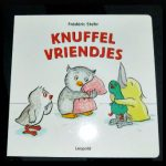 Knuffelvriendjes Frédéric Stehr kartonboekje prentenboek Leopold dieren knuffelen slapen gaan groep recensie review