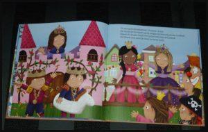 Luuk en Lotje Het is Carnaval! Ruth Wielockx Clavis prentenboek feest seizoenen verkleden schminken knutselen optocht feestje prins feeststemming herkenbaar recensie review