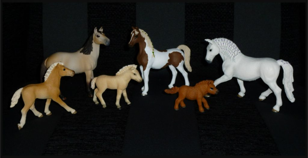 Schleich paarden pony veulen ruiter stallen manege stalknechten voedingssets stallen Horse Club liefde speelgoeddieren spelen verzamelen levensecht hand geschilderd dieren assortiment speelfiguren verzamelitems recensie review Schleich Horse Club Sleich poetsset