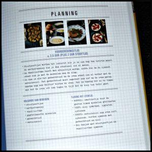 Voer voor vrienden Eva Posthuma de Boer kookboek unieboek vrienden familie etentjes menu's gerechten wijnadvies Harold Hamersma recensie review