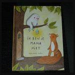 Ik ben je mama niet Marianne Dubuc prentenboek Querido wezentje diertje beestje eekhoorn hummeltje moeder zoeken voor elkaar zorgen huis tekeningen genieten goed gevoel recensie review