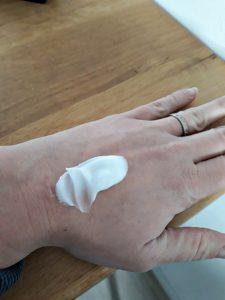Kneipp Body Crème Silky Secret Patchouli vijgenmelk-arganolie amandelmelk-amandelolie huidverzorging intrekken zijdezacht pot product voordelen geuren nieuwkomer assortiment recensie review