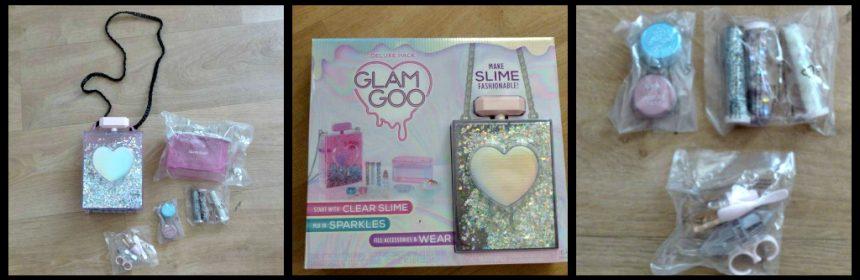 Glam Goo Deluxe Pakket MGA Entertainment unicorn tears crunchy cloud slijm kleurloze basisslijm parfumfles ring opbergen spelen glitters toevoegingen geurolie slijmvariaties slijmrecepten kleurpoeder tasje slijmrage stretchy pakketten Glam Goo kneden recensie review