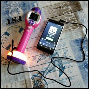 VTech Kidi SuperStar Move Karaokeset karaoke zingen microfoon audiokabel externe muziekspeler smartphone youtube spotify batterijen stemvervormer muziek magie originele stemmen wegdrukken meezingen optreden artiesten favoriete muziek speelplezier telefoon recensie review