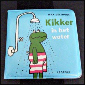 Kikker in het water badboekje Max Velthuis Leopold box bad liedjes afbeeldingen wateractiviteit plezier recensie review