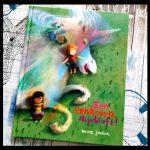 Eén eenhoorn alsjeblieft Mark Janssen Uitgeverij Moon prentenboek paarden hoorn regenboog kleuren manen unicorns winkel kopen ontknoping recensie review
