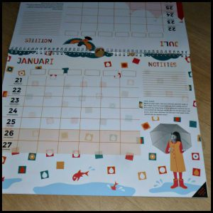 Kidsproof FamilyPlanner 2018-2019 kalender gezinsleden praktisch activiteiten afspraken notities stickers versieren kolommen klusjes bijhouden verantwoordelijk planner recensie review