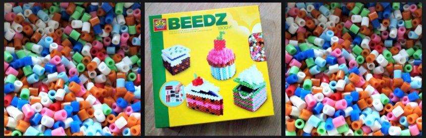 SES Creative Beedz 3D Taartjes strijkkralen gebakjes taartpunt taartjes cupcake kunstwerkjes basis uitknippen vouwen plakken knutselen hobby creatief recensie review