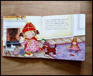 Noortje zet haar schoentje Annemarie van der Heijden prentenboek Clavis sinterklaasliedjes staf sinterklaasfeest pietenmuts paard tekeningen schoen zetten feestje tekeningen recensie review