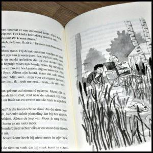 Door dik en Dun Saskia Halfmouw Zelf Lezen Uitgeverij Holland verhalen gedichten auteurs vriendschap liefde huisdier kinderen illustraties tekeningen jaloezie leugentjes oplossen herkenning avonturen recensie review