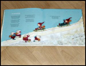 De vier kaboutertjes in de winter Marianne Busser Ron Schroder prentenboek Moon seizoen winter eekhoorn sneeuwpop glad dieren vogeltje helpen bos voorleesboek sneeuwpop zout glad omgeving recensie review
