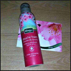 Kneipp Douche Foam Cherry Blossom Douche mousse natuurlijk huidverzorging luxe verwennerij zijdezacht dromen bodylotion geur kersenbloesem romog verzorging recensie review