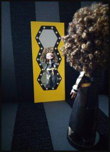 L.O.L. Surprise OMG Fashion Dolls poppen MGA Entertainment verzamelen rage unboxen unboxing kleedkamer accessoires kledinghoezen uitpakken Queen Bee Neon Q.T. Diva M.C. Swag verrassing opbergen standaard hoedendoos introduceren spiegel recensie review
