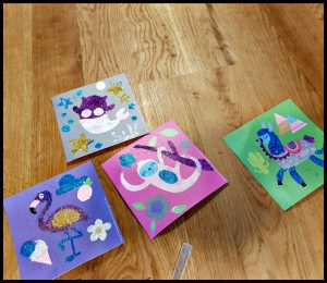 SES Glitter Strooien knutselen knutselpakket geweldig glitters kaarten stickers buisjes vormen vingertjes mama helpen laagje strooien bedekken papier bordje terugschenken knutselsysteem geknoei klodders lijm kunstwerkjes recensie review