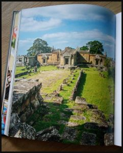 Cambodja Frank Alberti journalist fotograaf Karakter Uitgevers gerechten verhalen land mensen sfeerbeelden portretfoto's culinaire reis tempels dorpen steden bevolking recepten verre oosten genieten eetgewoontes inwoners geschiedenis Khmer-rijk oorlogen Boeddhisme toekomst Cambodjaanse keuken ingrediënten Toko supermarkt eerlijk recensie review